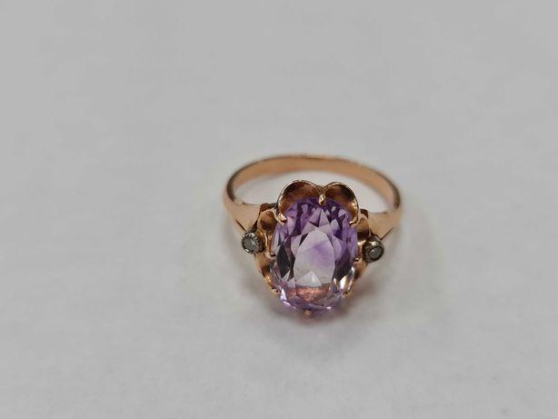 Wyjątkowy złoty pierścionek damski/ Radzieckie 583/ 5.06 gram/ R17.5