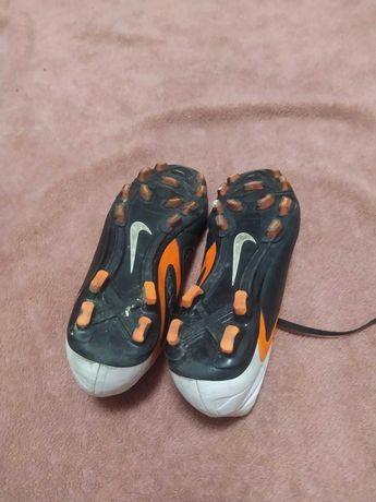 Бутсы футбольные Nike 39 размер