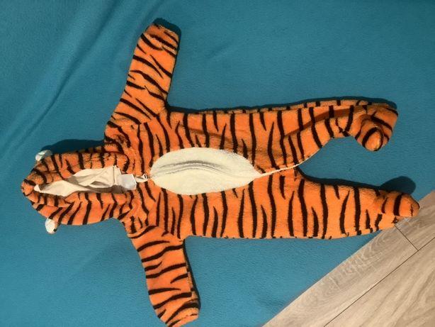 Kombinezon niemowlęcy na wiosnę rozmiar 56 tygrys