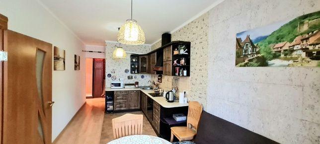 Кухня-гостиная и 2 комнаты. ЖК Радужный. Левитана / Жукова. Густо