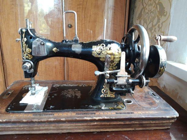 Швейная машинка Кайзер