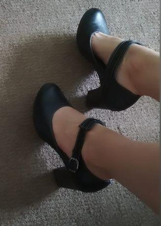 Новые, кожаные туфли