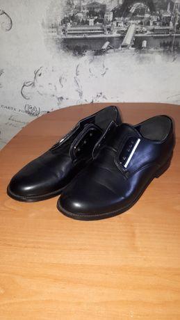 Туфли женские, кожа.