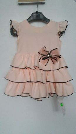 Sukienka z falbankami dla dziewczynki roz 92