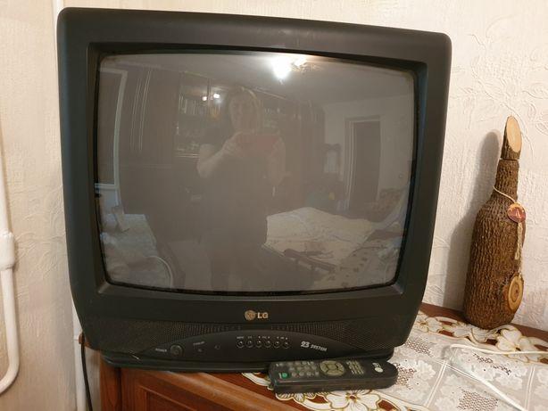 Телевизор LG 23 system цветной