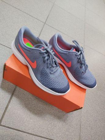 Buty Nike Revolution 4 (GS) ( rozm. 35,5 )