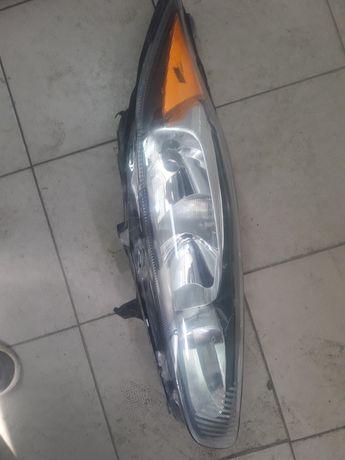 Фара Ford Fiesta mk7