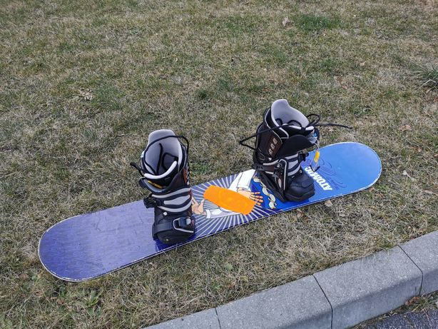 Snowboard 135 + buty 40.5