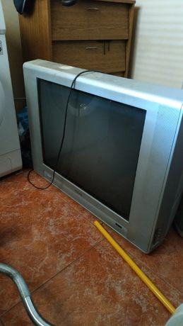 Телевизор Reinford TVF 7432