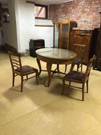 Stół owalny oraz krzesła