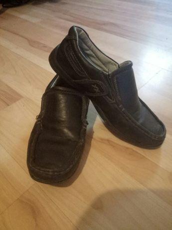Продам туфли школьные 34 размер