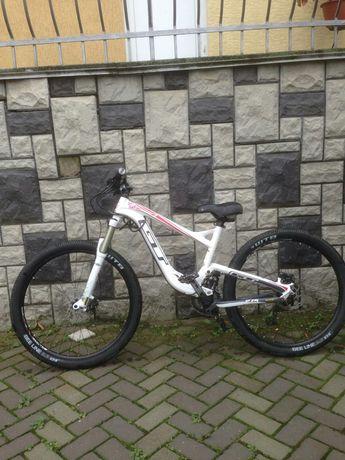Велосипед горный GT