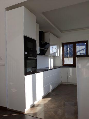 stolarz -kuchnie ,szafy ,zabudowy wnęk