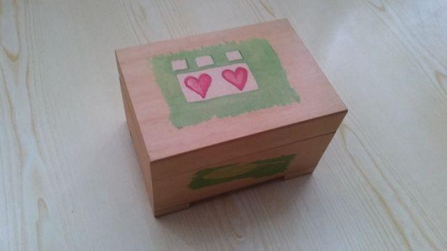 Drewniana szkatułka, pudełko na obrączki, elegancka, serce, pudełeczko
