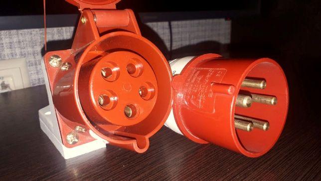 Силовой разъём 220-380В. 32А. 3 фазы+заземление.