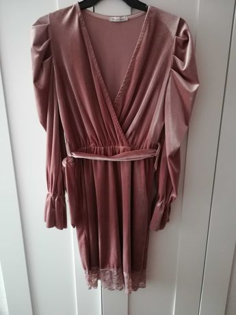 Sukienka różowa pudrowy róż welurowa bufki mega S M L nowa