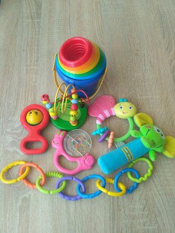 Лот игрушек, погремушка до года