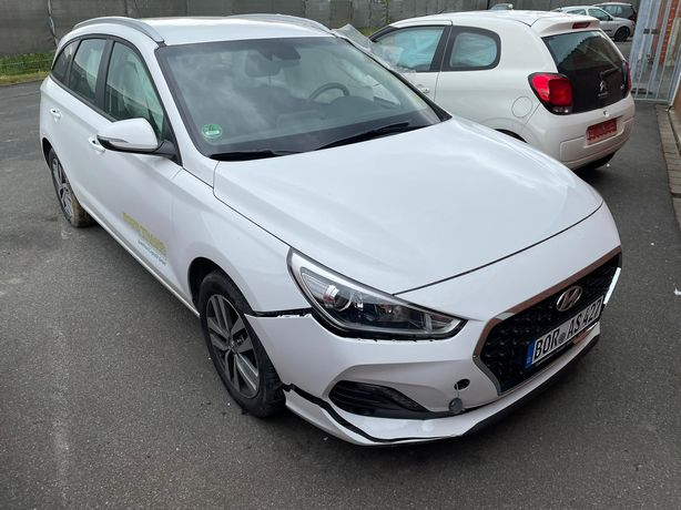 Hyundai i30 2019 rok 20 tyś km
