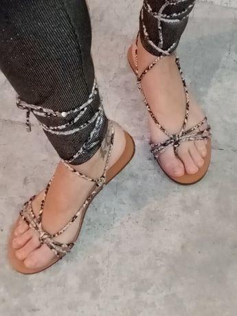 Sandália Berska tamanho 36