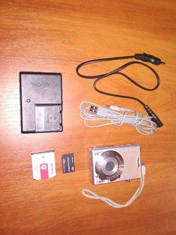 Цифровой фотоаппарат SONY Cyber-Shot DSC-W30