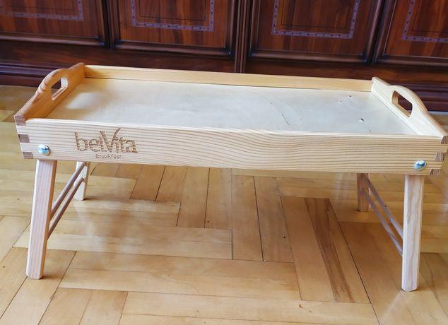 Drewniany stolik śniadaniowy