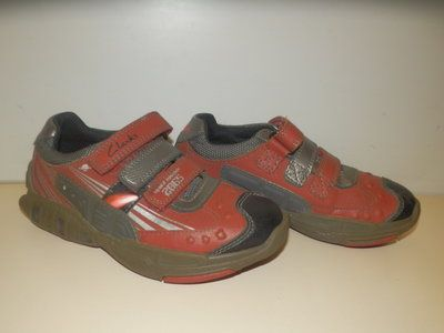 Кроссовки, полуботинки туфли clarks 9f-17.5cм/ мигают
