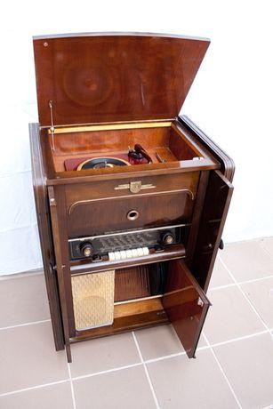Radio Gira Discos Antigo Tekade
