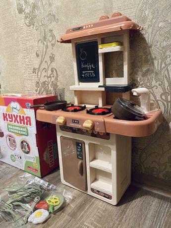 Кухня игрушечная. Для игр, ролевые игры, детская кухня.