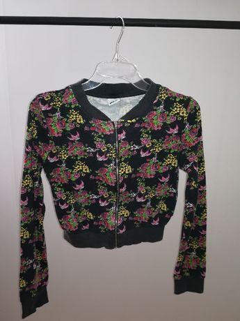Wzorzysta bluza