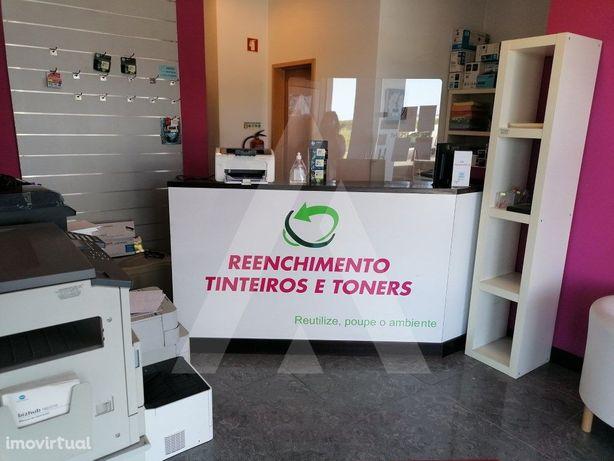 Loja para trespasse no centro de Aveiro