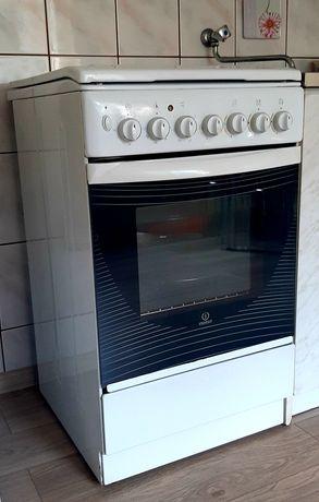 Kuchenka gazowo-elektryczna Indesit (termoobieg)