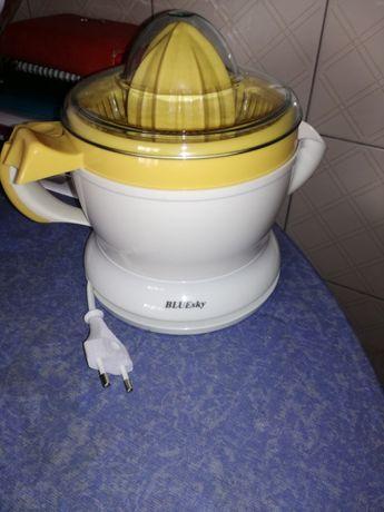 Espremedor citrino avariado para peças
