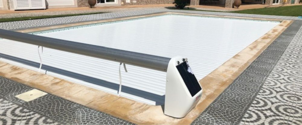 Cobertura de segurança Solar para piscinas cor laminas azuis 4x8m Cascais E Estoril - imagem 1