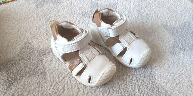 Sapato de bebé 18  Biomechanics