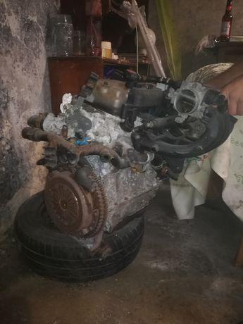 Silnik z osprzętem 1.4 peugeot 206