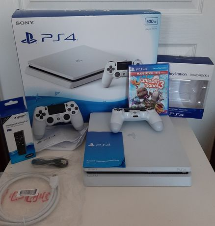 PlayStation 4 Slim limitowana + dodatki