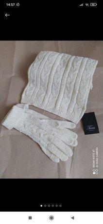 Набір аксесуарів шарф та рукавички