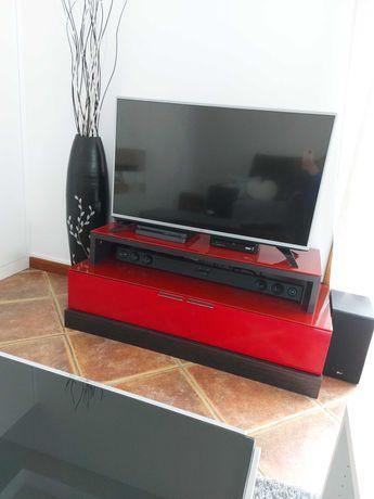 Móvel de TV e mesa centro
