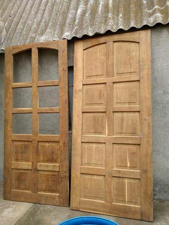 Продаются новые окна и входная дубовая тамбурная дверь