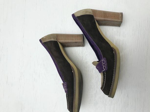 Mokasyny, buty na obcasie, zamszowe skóra beżowo brązowo fioletowe
