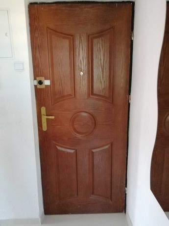 Drzwi mieszkaniowe wejsciowe