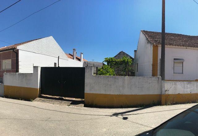 Terreno Urbano em Riachos (1600m2 com construção até 1200m2)