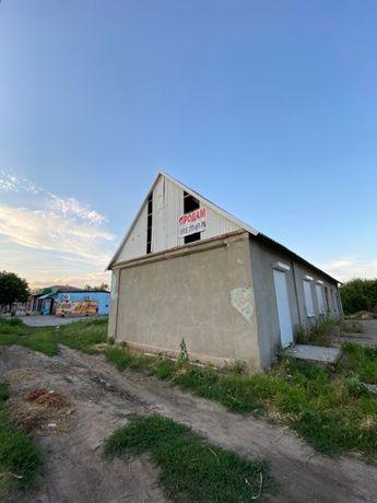 Продаётся коммерческая недвижимость в центре Лысогорки
