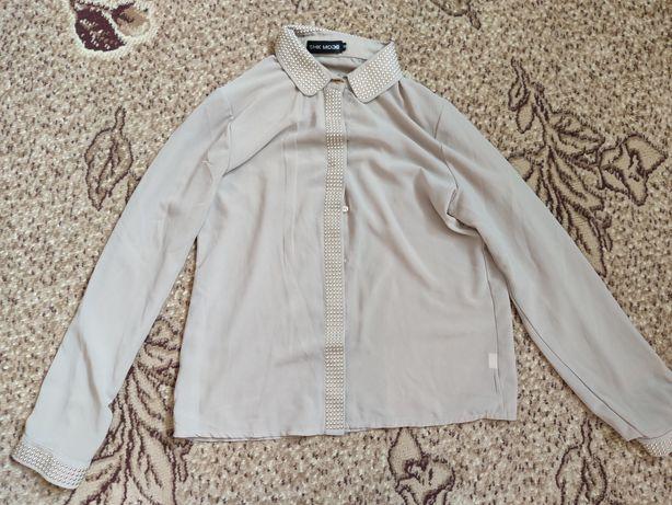 Рубашка шифоновая бежевая с заклепками