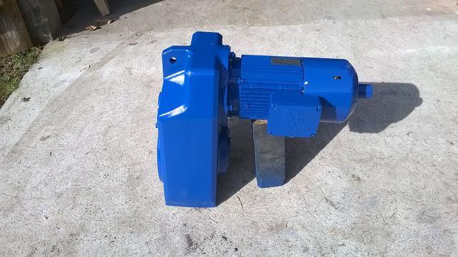 Motoreduktor 2-biegowy 4,5 i 9 obr/min SEW