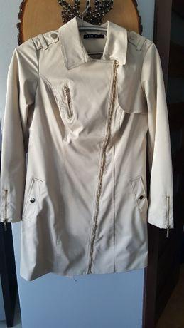 Płaszcz damski jesienny firmy Mohito rozmiar 40