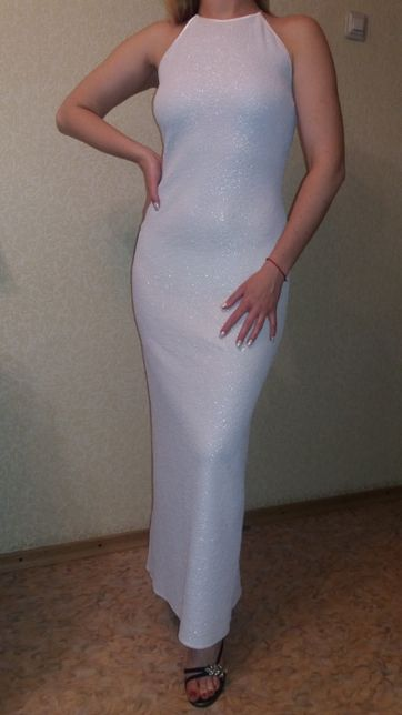 Шикарное белое платье в пол