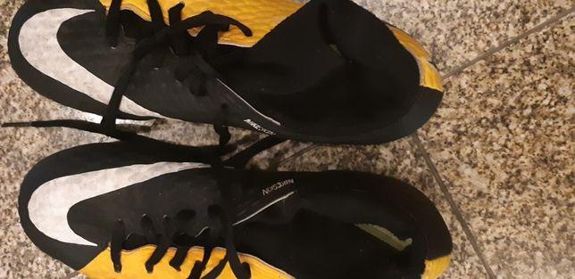 chuteiras Nike , ref Nikeskin , tamanho 38
