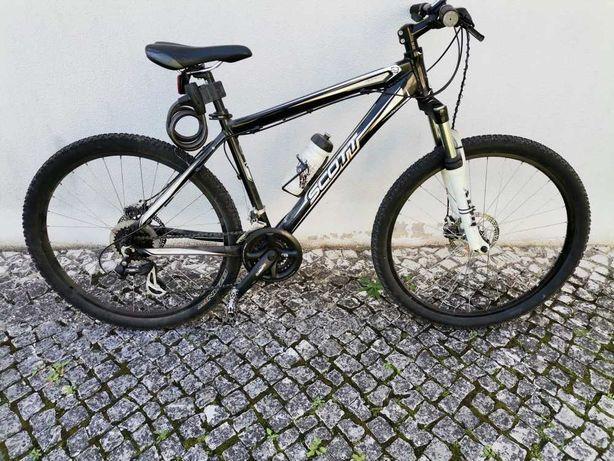 Bicicleta BTT Scott em bom estado com  poucos km