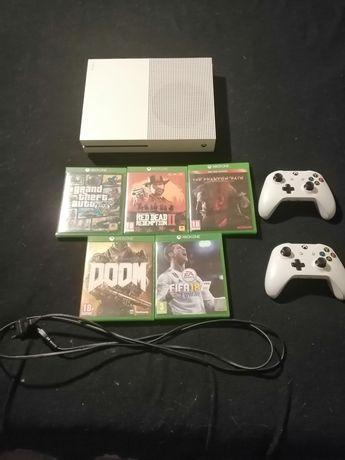 Xbox One S 1TB 5 Jogos 2 comandos